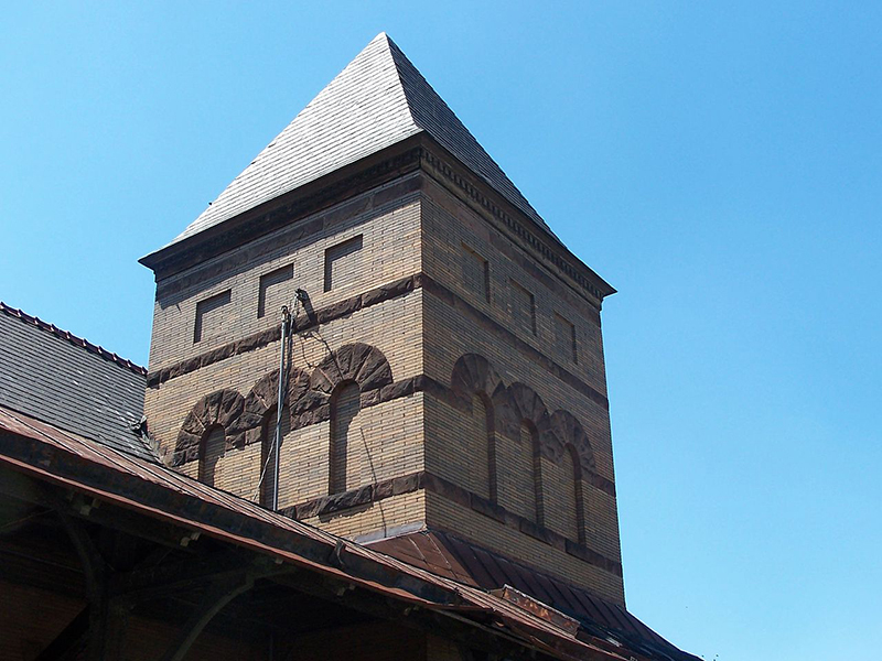 Corapolis-Pa-Railroad-Station-Tower-2007.jpg